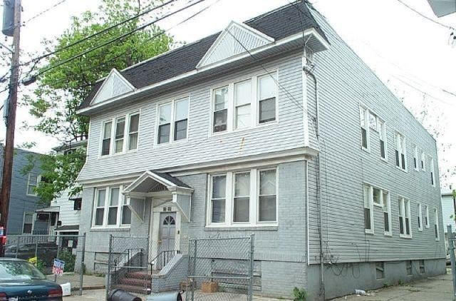 Nine Bedroom Multi-Family on Sunset Ave in Newark