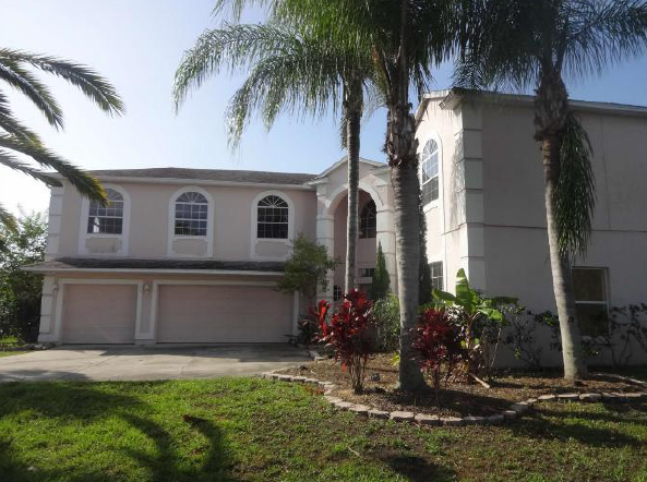 Kissimmee Home in Gated Golf Community